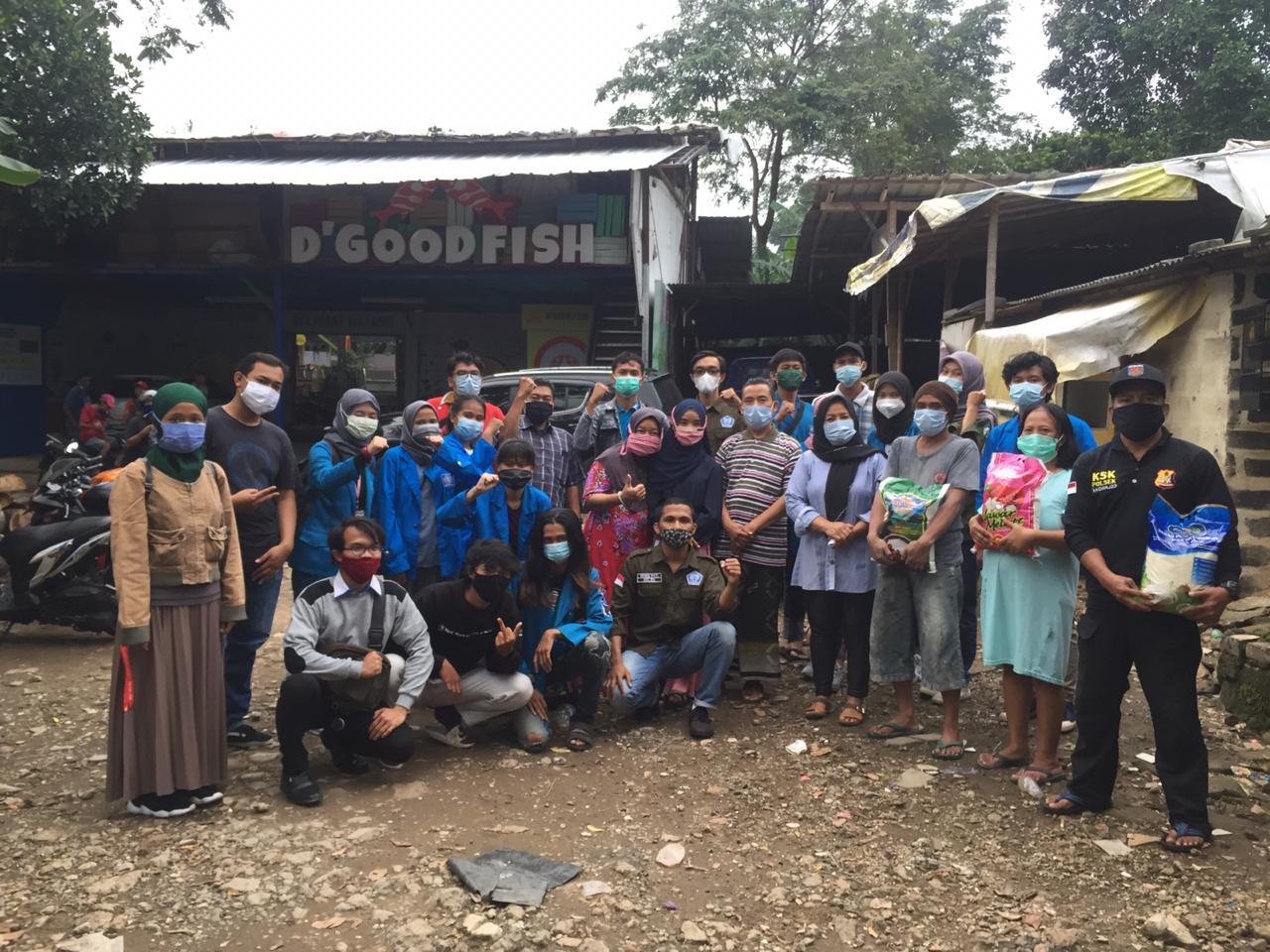 Universitas BSI Berikan Bantuan Sosial Korban Kebakaran di Pondok Labu