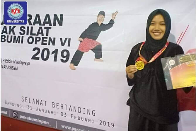 Kontingen Universitas Bina Sarana Informatika dalam  kejuaraan Pencak Silat Pakubumi Open VI 2019