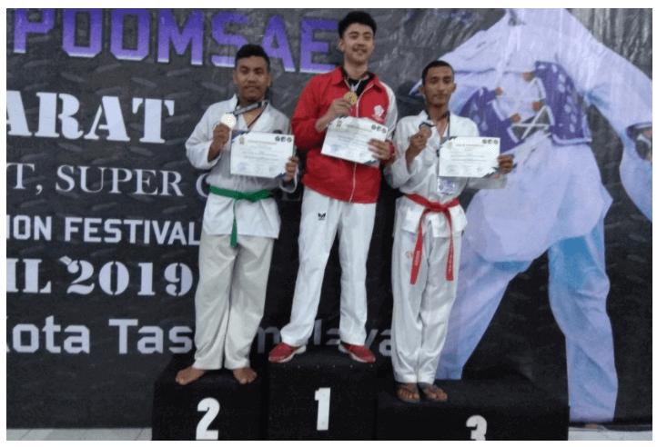Mahasiswa UBSI dalam ajang UNSIL Taekwondo Competition Se-Jawa Barat 2019